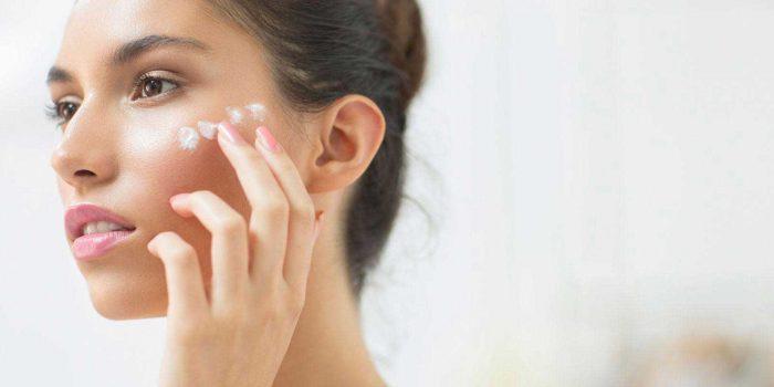 Pakai Krim Malam sebagai Pembersih Makeup
