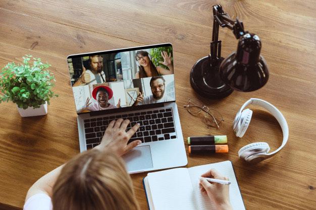 remote working dengan aplikasi meeting online